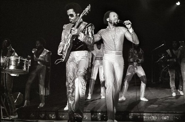 Johnny Graham, left, and Maurice White performing in 1982. Credit Rob Verhorst/Redferns